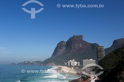 Vista da Avenida Niemeyer com o Royal Tulip Rio de Janeiro Hotel, Hotel Nacional e a Pedra da Gávea ao fundo  - Rio de Janeiro - Rio de Janeiro (RJ) - Brasil