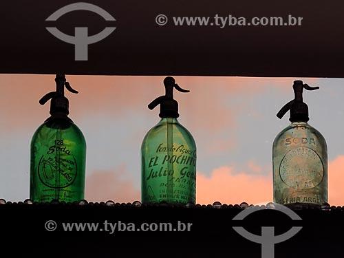 Antigas garrafas de soda com utilizadas como decoração  - Rio de Janeiro - Rio de Janeiro (RJ) - Brasil