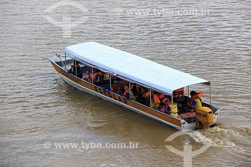 Barcos escolares na margem do Rio Madeira  - Porto Velho - Rondônia (RO) - Brasil
