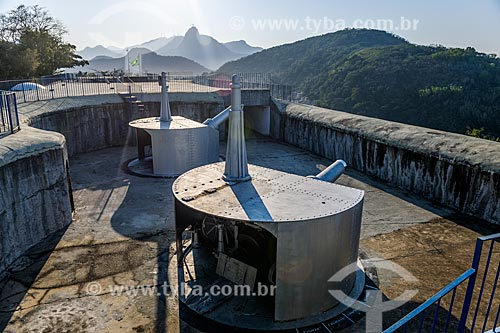 Canhões do Forte Duque de Caxias - também conhecido como Forte do Leme - com o Cristo Redentor ao fundo  - Rio de Janeiro - Rio de Janeiro (RJ) - Brasil