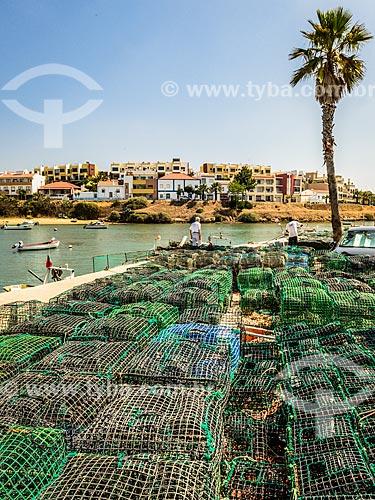 Armadilhas de pesca no porto da freguesia de Ferragudo  - Concelho de Lagoa - Distrito de Faro - Portugal