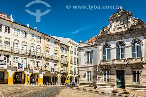 Vista da Praça do Giraldo com agência do Banco de Portugal à direita  - Concelho de Évora - Distrito de Évora - Portugal