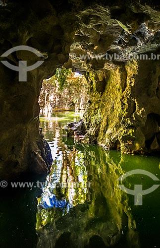 Interior da Gruta do Labirinto na Quinta da Regaleira  - Concelho de Sintra - Distrito de Lisboa - Portugal