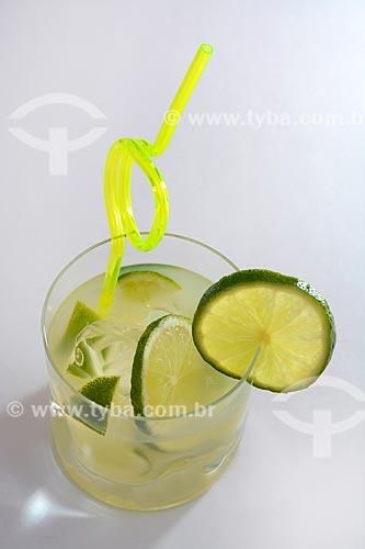 Detalhe de caipirinha de limão