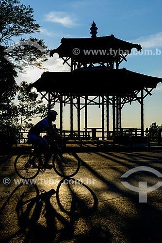 Ciclista na Vista Chinesa no Parque Nacional da Tijuca  - Rio de Janeiro - Rio de Janeiro (RJ) - Brasil