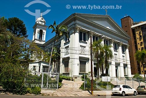 Campanário e fachada da Paróquia Nossa Senhora Auxiliadora (1961)  - Porto Alegre - Rio Grande do Sul (RS) - Brasil