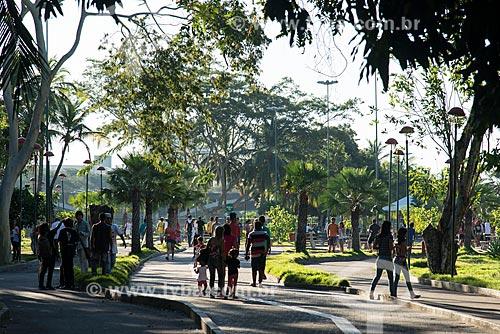 Pessoas caminhando no Parque Potycabana  - Teresina - Piauí (PI) - Brasil