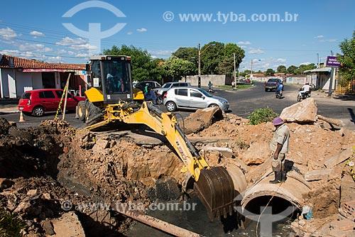 Reparo na rede de esgoto  - Teresina - Piauí (PI) - Brasil
