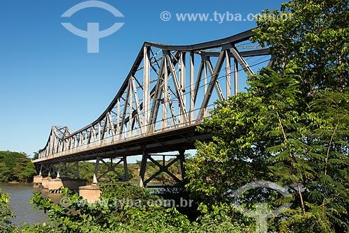 Ponte João Luís Ferreira - também conhecida como Ponte Metálica - sobre o Rio Parnaíba - divisa natural entre os estados de Piauí e Maranhão  - Teresina - Piauí (PI) - Brasil