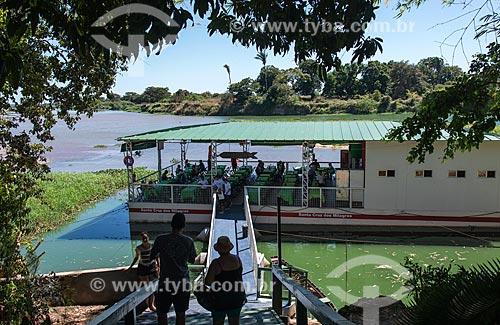 Restaurante flutuante no Parque Municipal do Encontro dos Rios - encontro das águas do Rio Poti e Rio Parnaíba  - Teresina - Piauí (PI) - Brasil