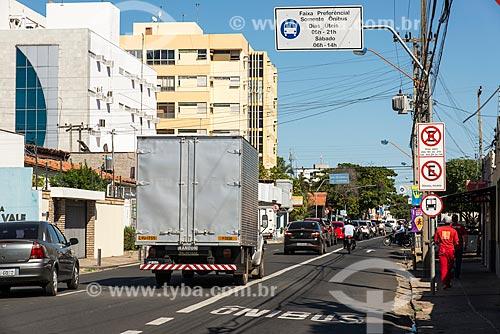 Faixa exclusiva para ônibus na Rua Coelho de Resende  - Teresina - Piauí (PI) - Brasil
