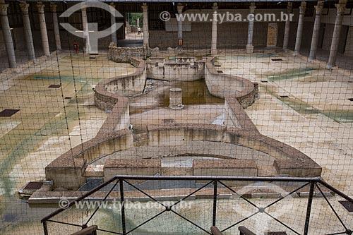 Ruínas do peristilo na Villa Romana del Casale - antiga palácio construído no século IV  - Piazza Armerina - Província de Enna - Itália