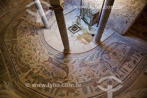 Detalhe de mosaico conhecido como Cupidos Pescadores na Villa Romana del Casale - antiga palácio construído no século IV  - Piazza Armerina - Província de Enna - Itália