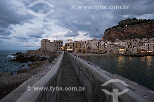 Vista da da cidade de Cefalù a partir da antiga marina  - Cefalù - Província de Palermo - Itália