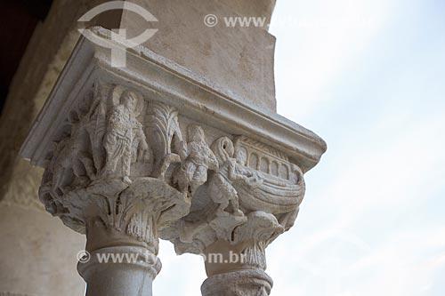 Detalhe de capitel - reprodução da Arca de Noé - no cláustro da Duomo di Cefalù (Catedral de Cefalù) - século XII  - Cefalù - Província de Palermo - Itália