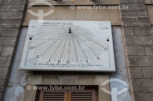 Relógio de sol no pátio da Duomo di Catania - Cattedrale di SantAgata (Catedral de Santa Agatha)  - Catânia - Província de Catânia - Itália