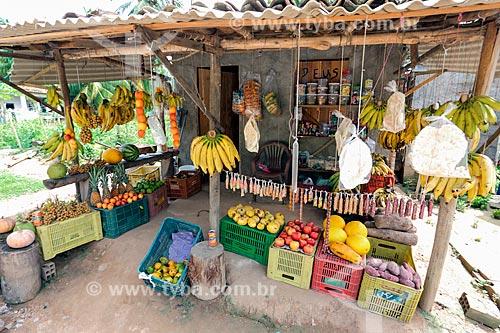 Frutas e legumes à venda às margens da Rodovia Governador Mário Covas (BR-101)  - Alagoas (AL) - Brasil