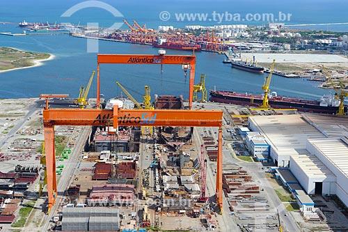 Foto aérea do Estaleiro Atlântico Sul no Complexo Portuário de Suape  - Ipojuca - Pernambuco (PE) - Brasil