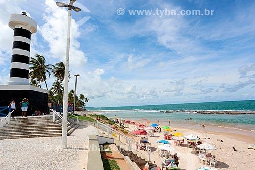 Farol do Pontal de Coruripe - à esquerda - com a Praia do Pontal de Coruripe  - Coruripe - Alagoas (AL) - Brasil