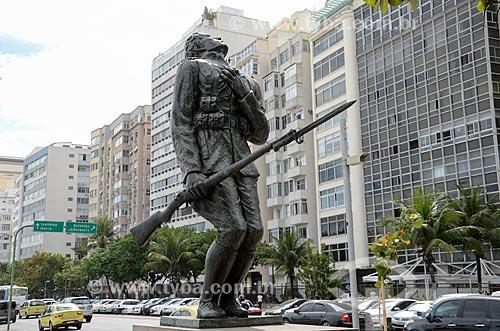 Monumento aos Dezoito do Forte - homenagem à Antônio de Siqueira Campos, militar morto da Revolta dos 18 do Forte de Copacabana, em julho de 1922  - Rio de Janeiro - Rio de Janeiro (RJ) - Brasil