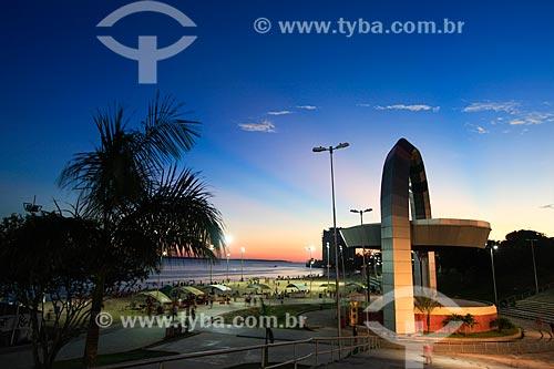 Pôr do sol no Anfiteatro da Praia de Ponta Negra  - Manaus - Amazonas (AM) - Brasil