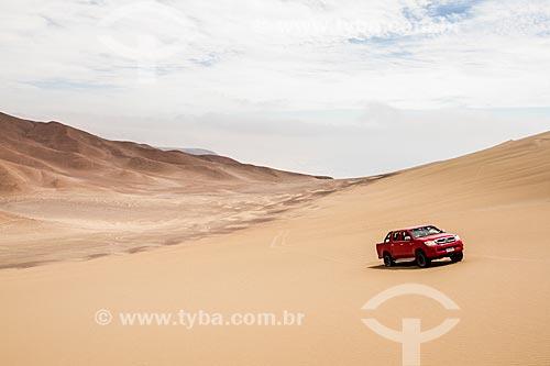 Carro no Deserto do Atacama  - Iquique - Província de Iquique - Chile