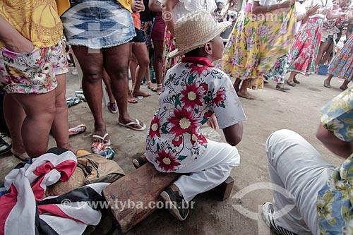 Criança tocando tambor durante a apresentação do Grupo de Tambor de Crioula - Companhia Mariocas - no Dia da Consciência Negra  - Rio de Janeiro - Rio de Janeiro (RJ) - Brasil