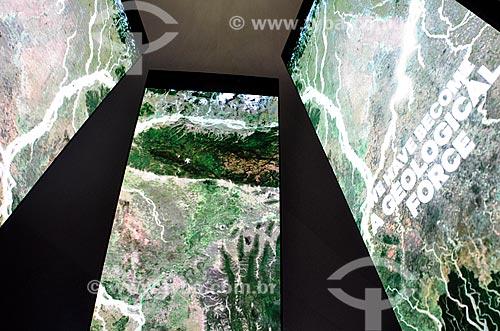 Detalhe da instalação Antropoceno - seis pilares de dez metros com projeções evidenciando a interferência humana no planeta - parte da exposição permanente do Museu do Amanhã  - Rio de Janeiro - Rio de Janeiro (RJ) - Brasil