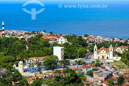 Vista geral de parte do centro histórico de Olinda com a Igreja de Nossa Senhora da Misericórdia (século XVII)  - Olinda - Pernambuco (PE) - Brasil