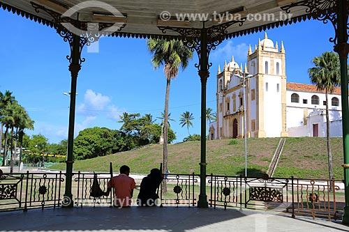 Coreto na Praça do Carmo com o Convento e Igreja de Nossa Senhora do Carmo - também conhecida como Convento e Igreja de Santo Antônio do Carmo (século XVI) - ao fundo  - Olinda - Pernambuco (PE) - Brasil