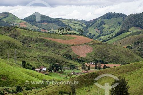 Vista da Serra da Mantiqueira próximo à cidade de Santos Dumont  - Santos Dumont - Minas Gerais (MG) - Brasil