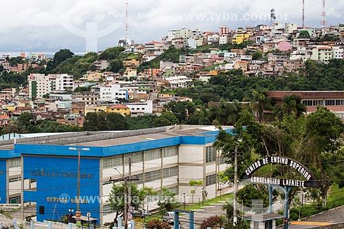Centro de Ensino Superior de Conselheiro Lafaiete (CES/CL) com a cidade de Conselheiro Lafaiete ao fundo  - Conselheiro Lafaiete - Minas Gerais (MG) - Brasil