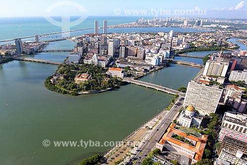 Foto aérea do centro de Recife com o Rio Capibaribe  - Recife - Pernambuco (PE) - Brasil