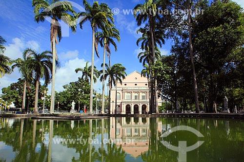 Praça da República com o Teatro Santa Isabel (1850) ao fundo  - Recife - Pernambuco (PE) - Brasil