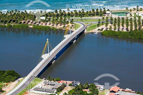 Foto aérea da Ponte Arquiteto Wilson Campos Júnior - também conhecida como Ponte do Paiva  - Cabo de Santo Agostinho - Pernambuco (PE) - Brasil