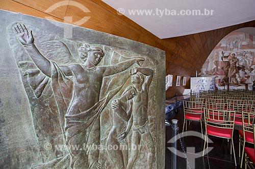 Painel em bronze de Alfredo Ceschiatti no interior da Igreja São Francisco de Assis (1943) - também conhecida como Igreja da Pampulha  - Belo Horizonte - Minas Gerais (MG) - Brasil