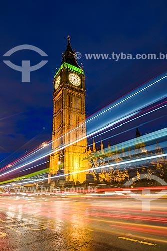 Torre do Big Ben (1859) no Palácio de Westminster à noite  - Londres - Grande Londres - Inglaterra