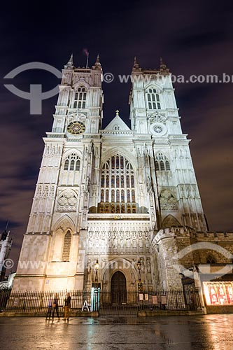 Fachada da Abadia de Westminster (Igreja do Colegiado de São Pedro em Westminster) - 1050 - à noite  - Londres - Grande Londres - Inglaterra