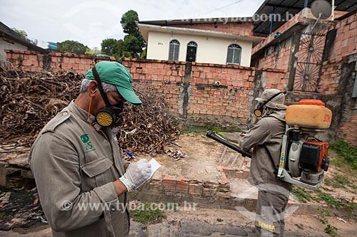 Funcionários da Secretaria de Saúde de Manaus no combate ao mosquito Aedes aegypti  - Manaus - Amazonas (AM) - Brasil