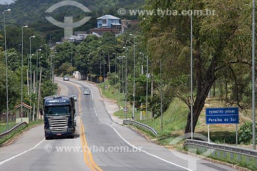 Caminhão na Rodovia Lucio Meira (BR-393) próximo ao KM-177 - sentido norte - divisa entre Três Rios e Paraíba do Sul  - Três Rios - Rio de Janeiro (RJ) - Brasil