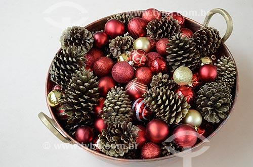 Bolas de Natal e outras decorações natalinas