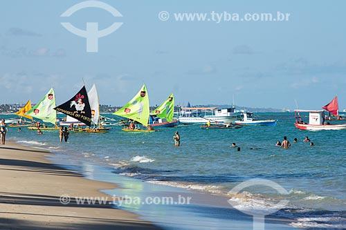 Jangadas na orla da Praia de Porto de Galinhas  - Ipojuca - Pernambuco (PE) - Brasil