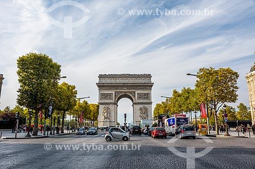 Vista do Arco do Triunfo (1836) a partir da Avenida Champs-Élysées  - Paris - Paris - França