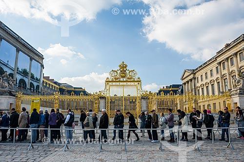 Turistas no Château de Versailles (Palácio de Versalhes) - residência oficial da monarquia da Francesa entre os anos de 1682 a 1789  - Versalhes - Yvelines - França