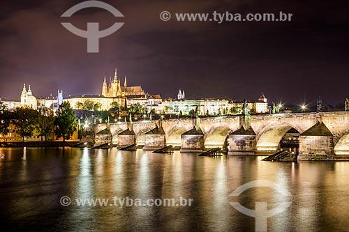 Vista do Rio Moldava com Katedrála svatého Víta (Catedral de São Vito) no Pra?ský Hrad (Castelo de Praga) ao fundo  - Praga - Região da Boêmia Central - República Tcheca