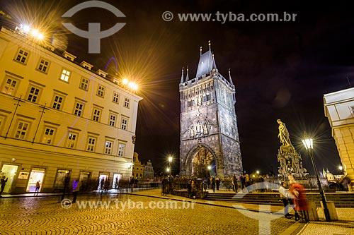 Torre da cidade velha na Karluv most (Ponte Carlos) - mais antiga ponte de Praga sobre o Rio Moldava  - Praga - Região da Boêmia Central - República Tcheca