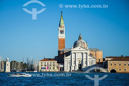 Vista da Basilica di San Giorgio Maggiore (Basílica de São Jorge Maior) - 1610 - com o campanário da Basilica di San Marco - a partir do Grande Canal de Veneza  - Veneza - Província de Veneza - Itália