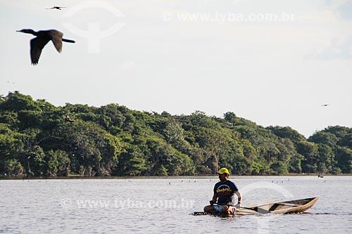 Ribeirinho no Lago Cuniã  - Porto Velho - Rondônia (RO) - Brasil
