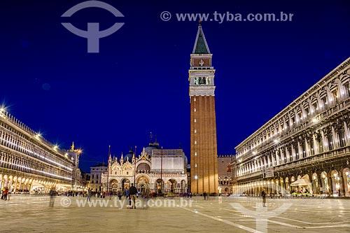 Piazza San Marco (Praça de São Marcos) durante o pôr do sol  - Veneza - Província de Veneza - Itália