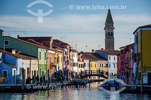 Vista de canal e casas na Ilha de Burano  - Veneza - Província de Veneza - Itália